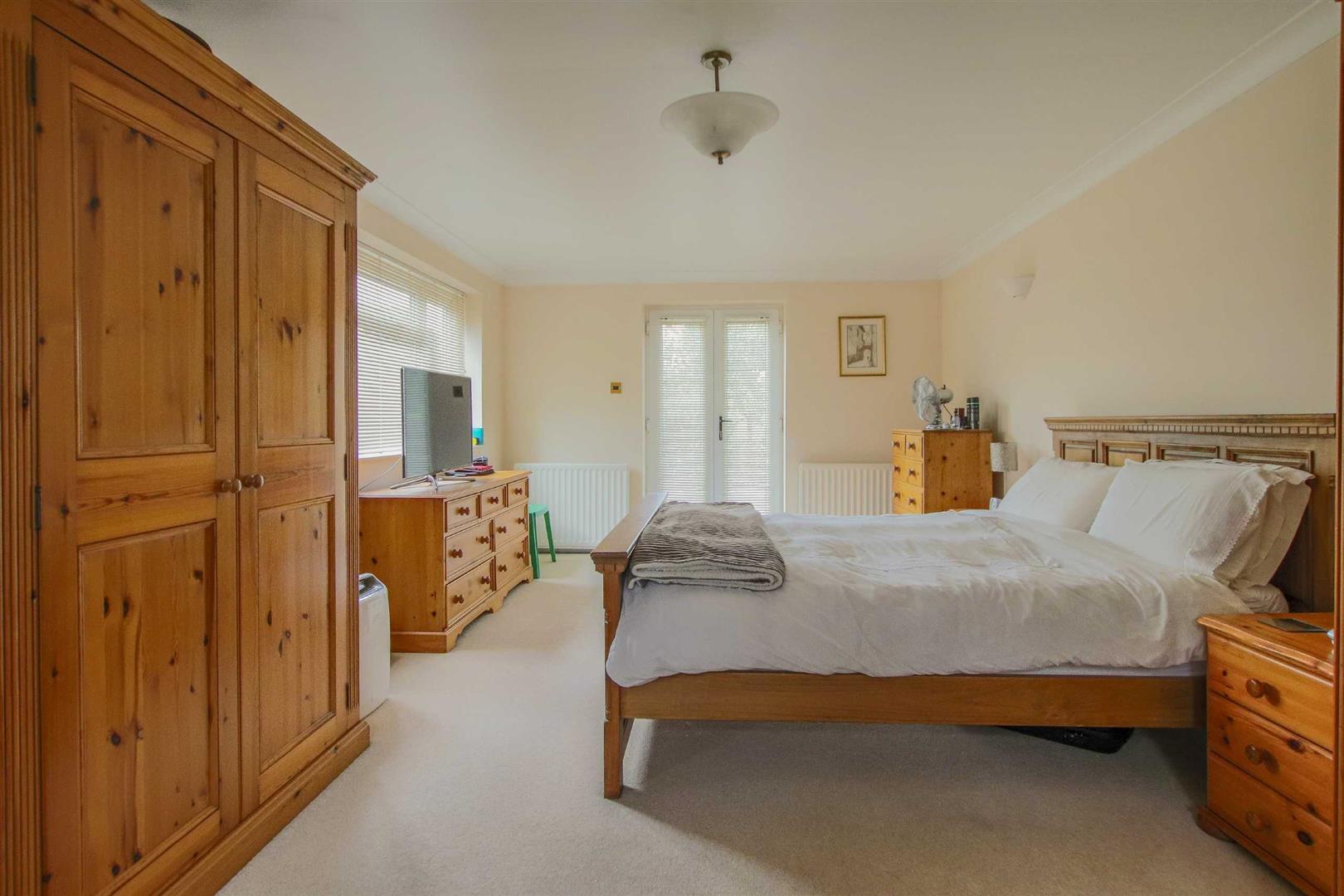 5 Bedroom Detached Bungalow For Sale - Image 9